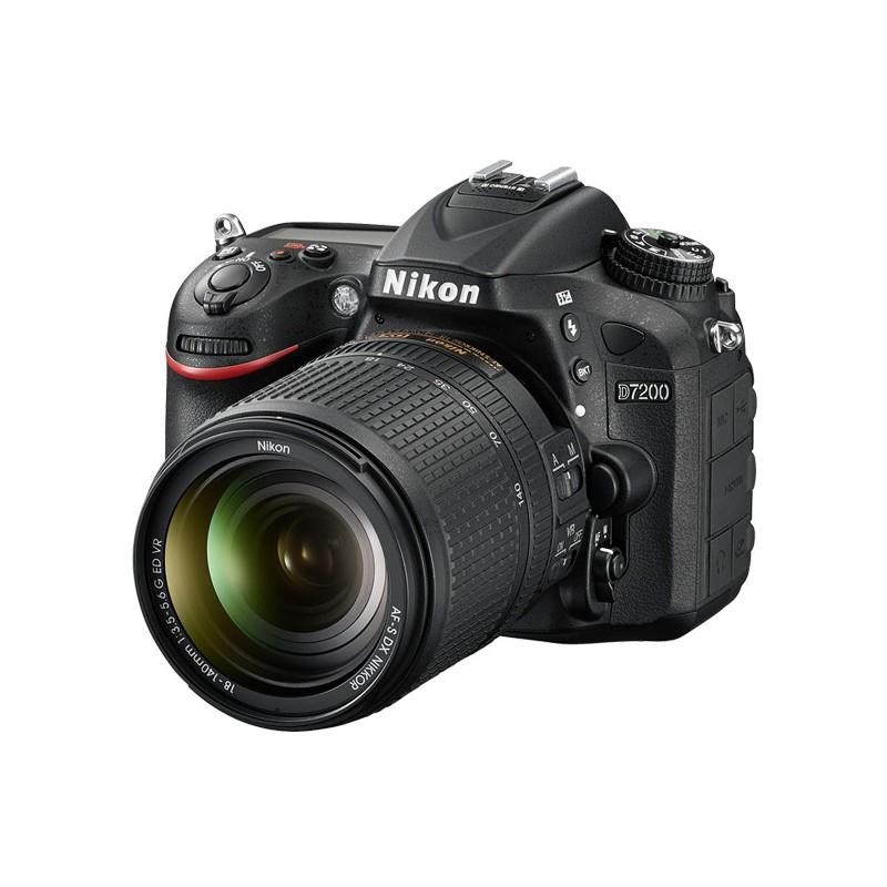 Réflex Numérique Nikon D7200 + AF-S DX Nikkor 18-55mm